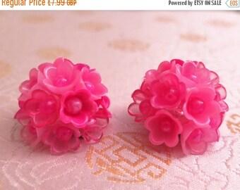 SALE - 25% OFF 1960s Earrings - Original 1960s Earrings - Pink Earrings - Plastic Earrings - Clip On Earrings - Flower Power - '60s earrings