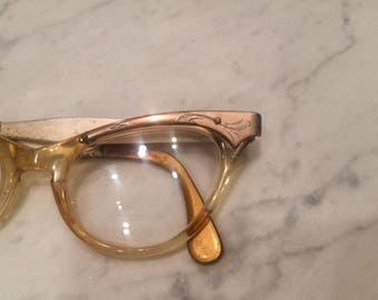 Vintage cats eyes glasses , vintage eyewear , womens wingtip glasses , 60's eye wear.