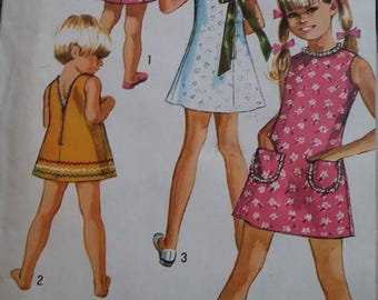 UNCUT and FF Pattern Pieces Vintage Simplicity 8816 Sewing Pattern Size 6 Jiffy Dress with Three Backs