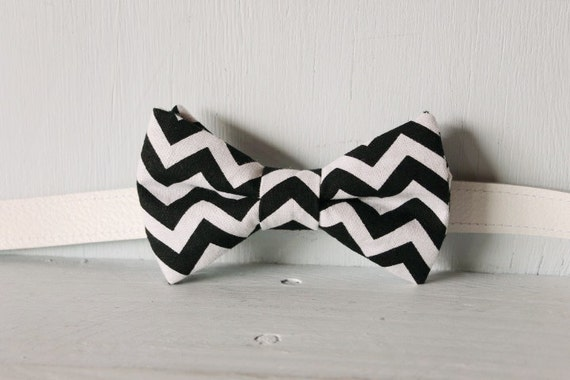 Bow tie unisex >> Black and white chevron bow, leather strap, buckle >> Brisbane