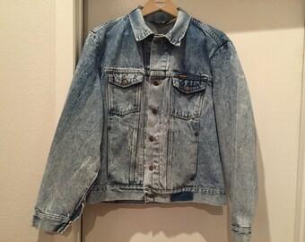 80s WRANGLER Large Denim Jacket Acid Washed Perfectly Distressed