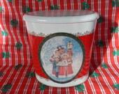 Vintage Hinge FTDA Christmas Tin Can