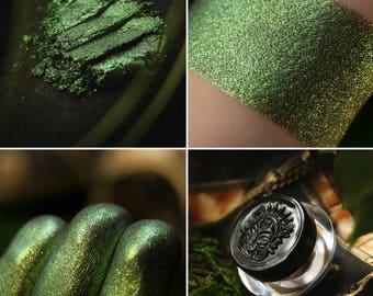 Eyeshadow: Forest Dragon's Rider - Dragonblood.  Bright green shimmering eyeshadow by SIGIL inspired.