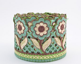 Lace Trim, Embroidered Lace, Embroidery Lace Trim, Border, Indian Style, Floral, Green, Brown, Beige - 1 meter