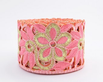 Gold Trim, Lace Trim, Embroidered Lace, Embroidery Lace Trim, Border, Indian Style, Filigree, Soft Peach, Gold - 1 meter