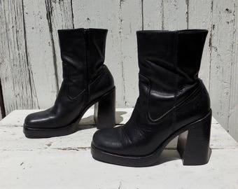 FRYE Boots/Black Leather Boots/High Heel Boots/Chunky Boots/Platform Boots/Square Toe Boot/Steampunk Gothic Lolita/Biker Babe Boots/Size 7.5