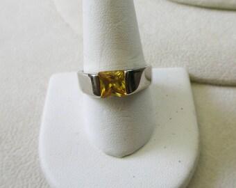 Vintage Sterling ring, Citrine or topaz - marked 925 and size 9 1/2 - Estate find!