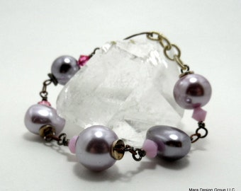 """beaded bracelet, glass pearls and crystal, 7-8"""" long"""