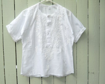 Preppy Boho White on White Embroidered Peasant Top Small