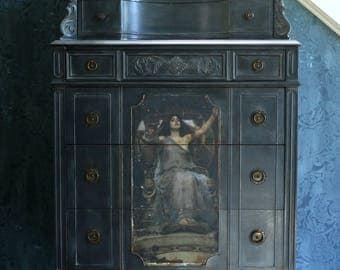 Circe  Dresser