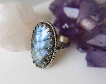 Labradorite Ring, Statement Ring, Sterling Silver Labradorite Ring, Medieval Style Ring, Wedding Ring, OOAK Labradorite Ring, Boho Jewelry