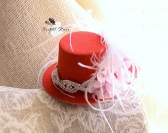 Red mini top hat - red fascinator - valentines day hat - Valentine's day hair accessories - red mini hat - red hat - fascinator -  mini hat