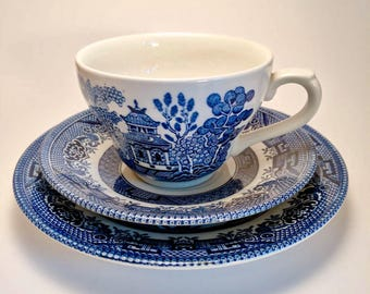 Vintage Blue Willow teacup trio by Churchill of England (teacup, saucer and plate) - Blue willow trio - teacup trio - vintage trio - teaset