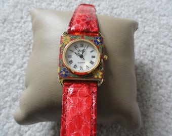 Roje' Quartz Ladies Watch with a Red Band