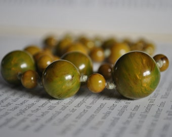 Antique Green Bakelite Necklace - 1920s Art Deco Bakelite Beads