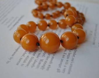 Vintage 1930s Pumpkin Orange Bakelite Necklace - Art Deco Bakelite Beads