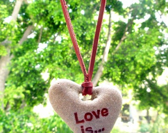 Natural Holey Heart shaped Engraved Beach Stone Sea Rock Pendant necklace Jewelry Love gift Israel red natural leather cord natural jewelry