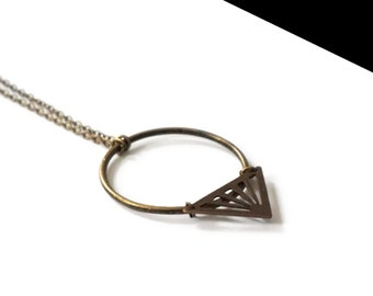 Bronze round necklace.