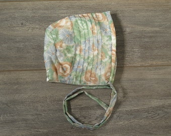 Newborn 0-3m size pin tuck bonnet