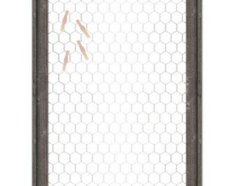 Framed Chickenwire with Clothespins