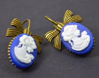 Cameo vintage earrings