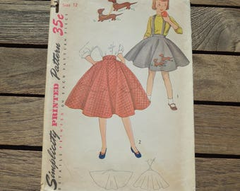 Vintage Girl's Simplicity Printed Skirt Patterns 3987 with Dachsund Transfer