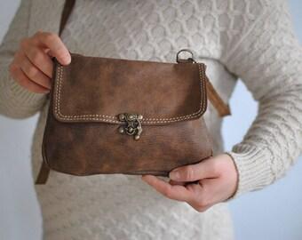 Vintage MESSENGER LEATHER BAG............(115)