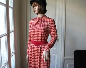 Red dress ethnic print 60s vintage dress chinese inspiration mandarin collar cherry red beige pattern long sleeves chinese dress - XS