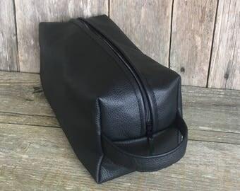 Mens leather toiletries bag,gift for him,leather washbag,mens toiletries bag,fathers day gift,mens grooming bag,black leather Dopp kit