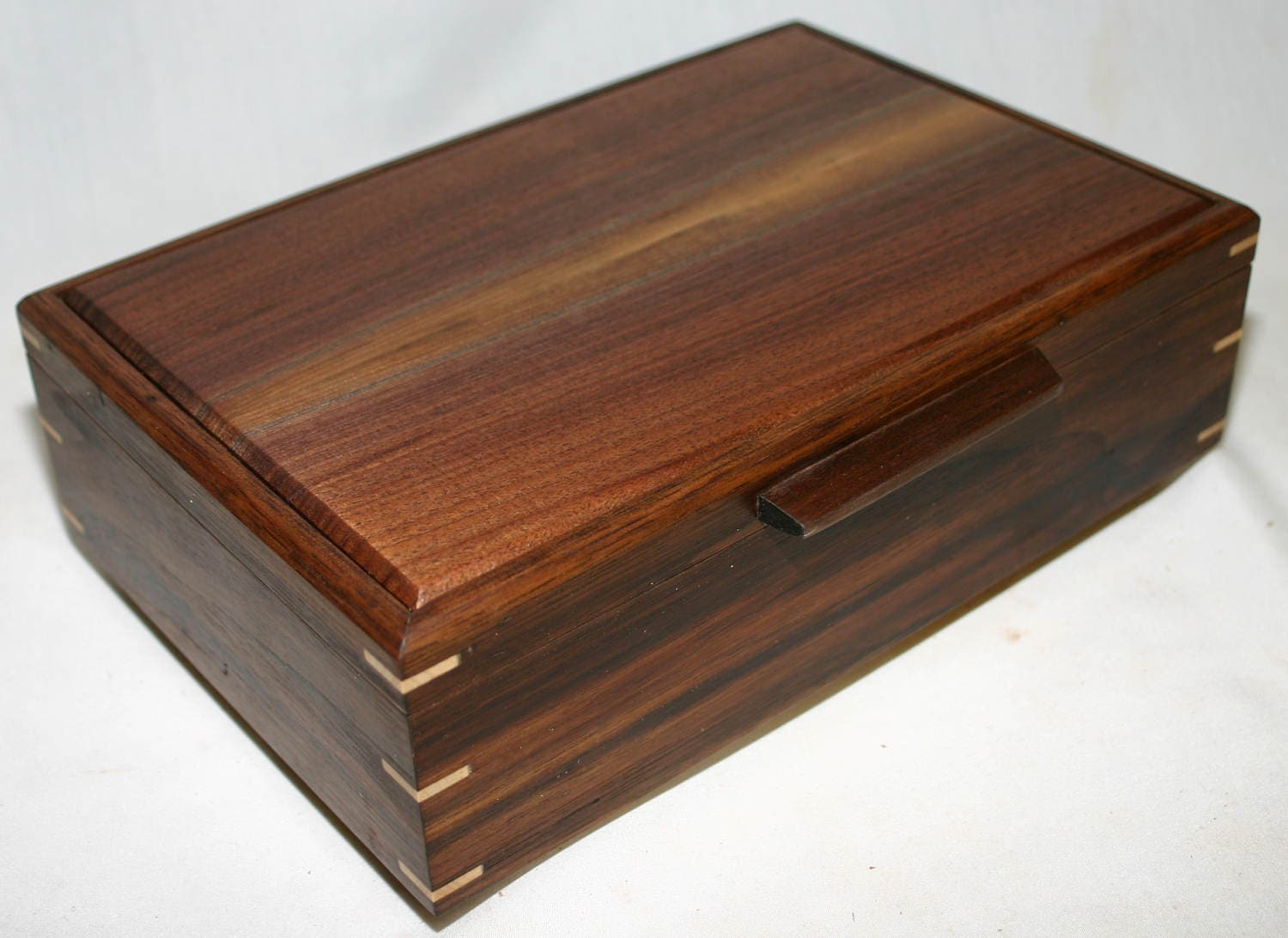 Wooden Decorative Trays New Carolinawoodshop  Men's Valet Box With Phone Charging Port And Design Ideas