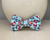 Dog Bow / Bow Tie - Little Foxes on Baby Blue
