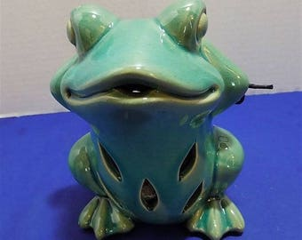 NEW Rare Ceramic Figurine Frog GC Naturals Potpourri Sachet Holder Scent Home Decor Gift