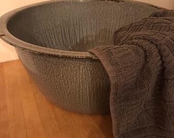 Large Graniteware Wash Bowl