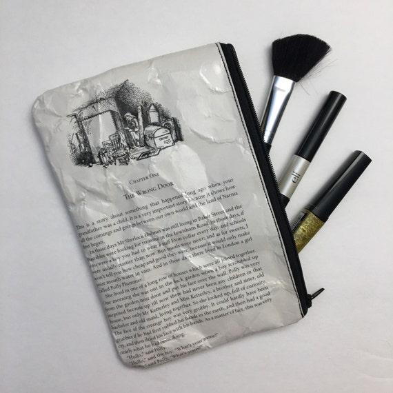 Chronicles of Narnia Themed Vinyl Pencil or Make-Up Pouch - The Wrong Door