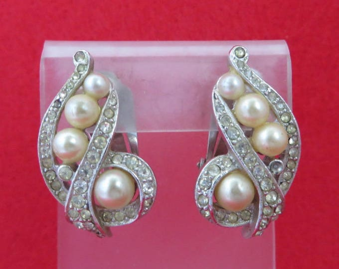 ON SALE! Vintage Marvella Faux Pearl Rhinestone Earrings, Silver Tone Clip-on Earrings