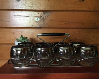 Set of 8 roly poly silver ombré Dorothy Thorpe style glasses with wood handle caddy