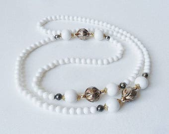 White & Gold Long Beaded Necklace Vintage Pretty Plastic Beads Flapper Jewelry Boho Summer Jewellery