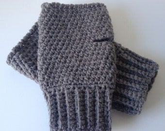 Mens gloves Fingerless, Dark Grey Aran with wool. Mens gloves with rib. Present, gift for him, Birthday,  Fathers day gift for him