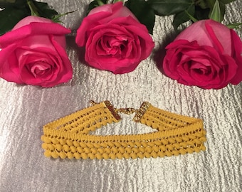 Mustard yellow choker