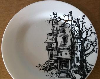 Ciroa Haunted House Plates.