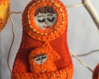 Nesting Doll Felt mom and Baby Red Orange