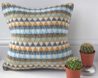 Knitted Scandi cushion ,Knitted Scandinavian Cushion, Knitted Industrial Cushion, Knitted Lambswool Cushion, Handmade Knitted Cushion