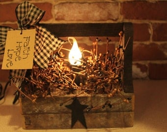 Small Tobacco Lath Primitive Toolbox light with Pip Berries, Star and Kraft Hang Tag