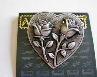 JJ Jonette Heart With Three Dimensional Roses Brooch Pin