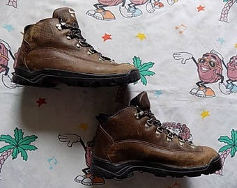 Vintage 90's Nike ACG brown leather Hiking Boots, size Women's 9/Men's 7 Nike Air