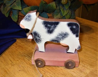 Wood Cow, Wood Pull toy Cow, Cow on Wheels, Cow Décor, Kitchen Cows, Farmhouse Kitchen, Farmhouse Décor