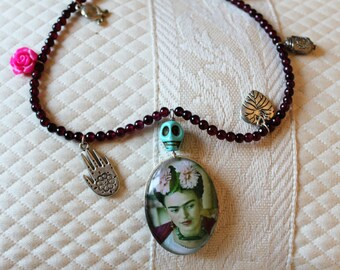 Firda kahlo necklace with charms