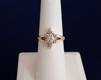 Diamond Flower Ring in 14k Gold - EB161