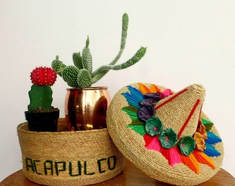 Woven Acapulco basket with lid!