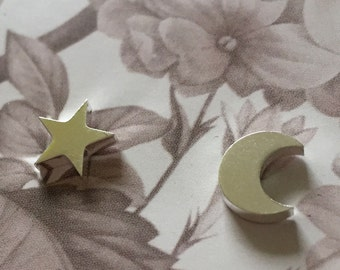Moon and Star Studs - earstuds with a moon and a star - silvertone - rock, minimal, trendy, moon, crescent moon, star, stainless steel